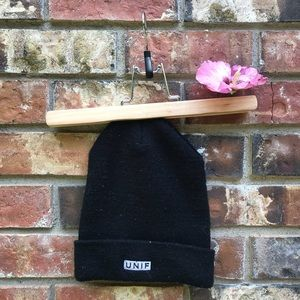 """UNIF """"the no luck club"""" Beanie in Black"""